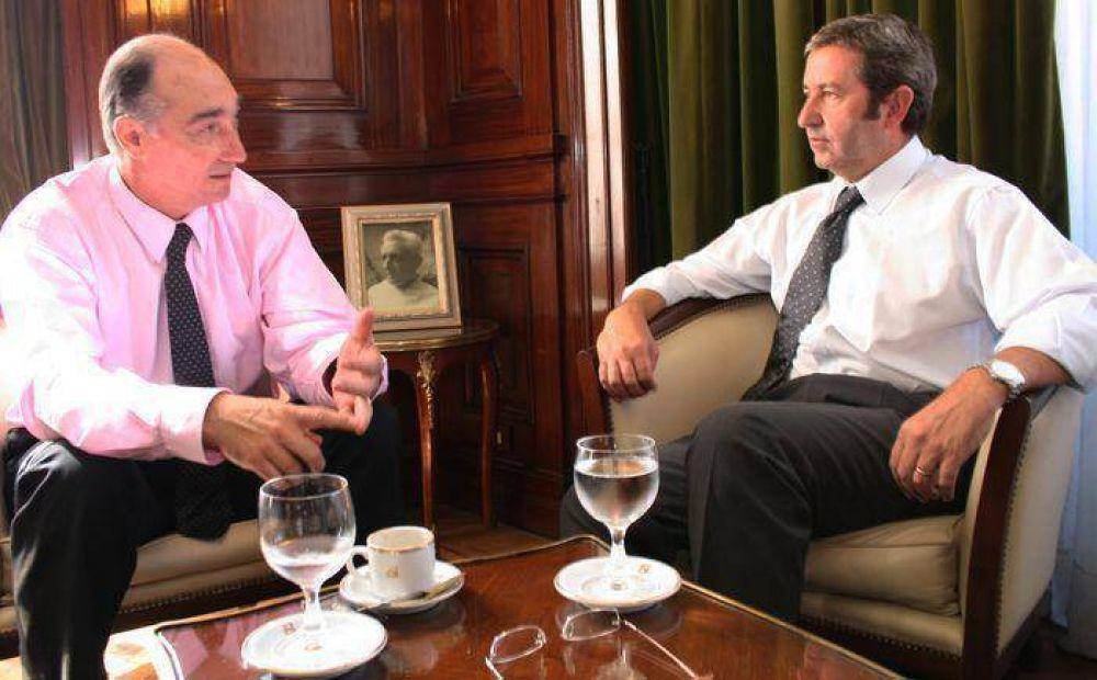 Cobos se reunió con el Defensor del Pueblo