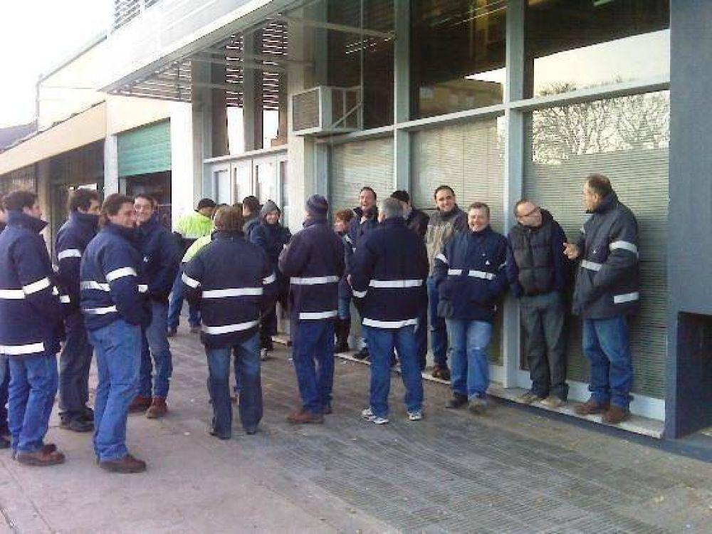 """Paro en Camuzzi: """"la empresa ofreció cero por ciento de aumento"""", dicen los trabajadores"""