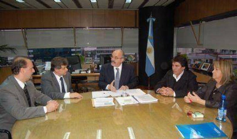 Pulti, junto a integrantes de la CGT, se reunió con el Ministro Tomada y trae la ultima propuesta posible