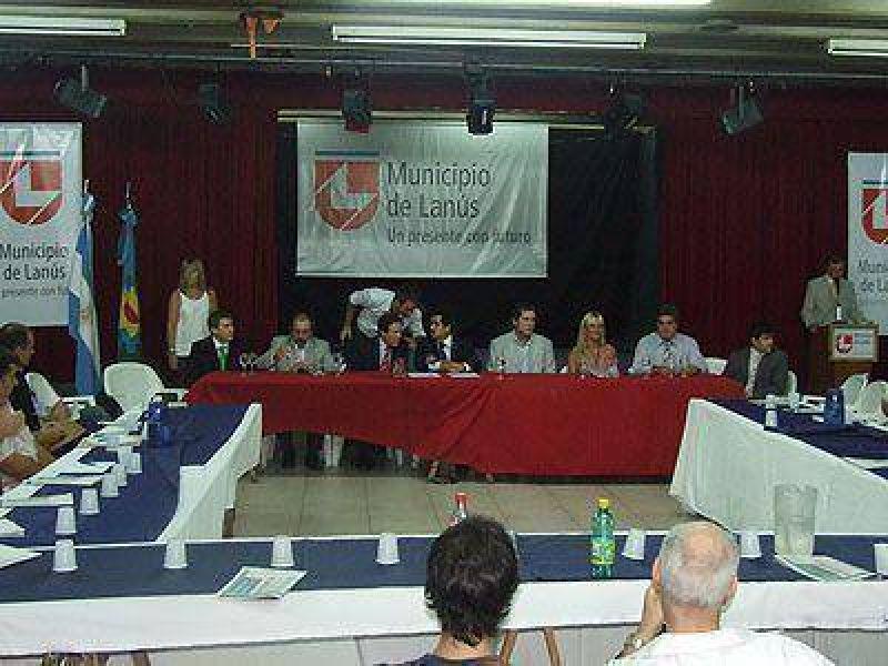 Díaz Pérez y Arlía se reunieron con empresarios locales.