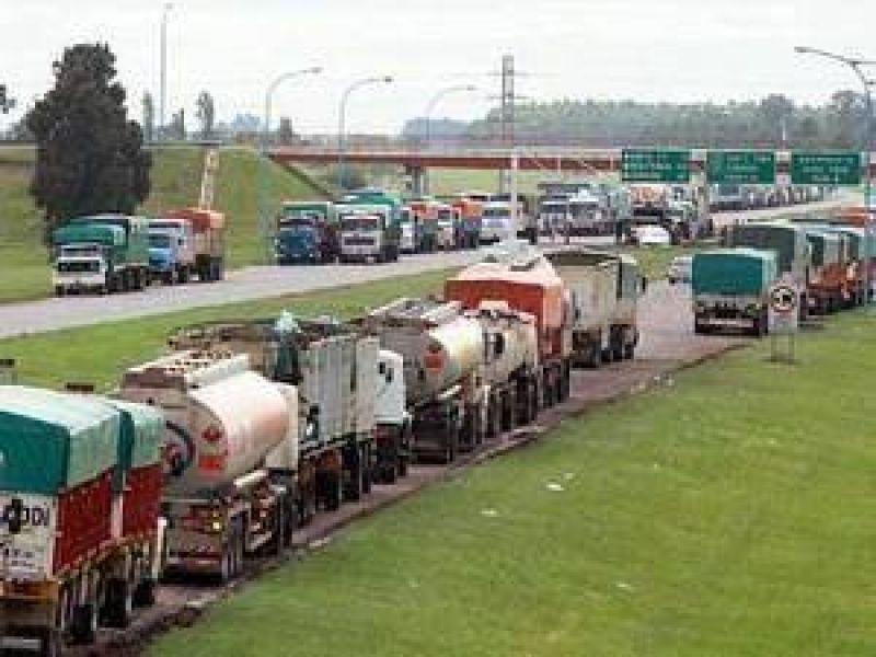 Alrededor de 800 personas viajaron a apoyar el paro de camioneros