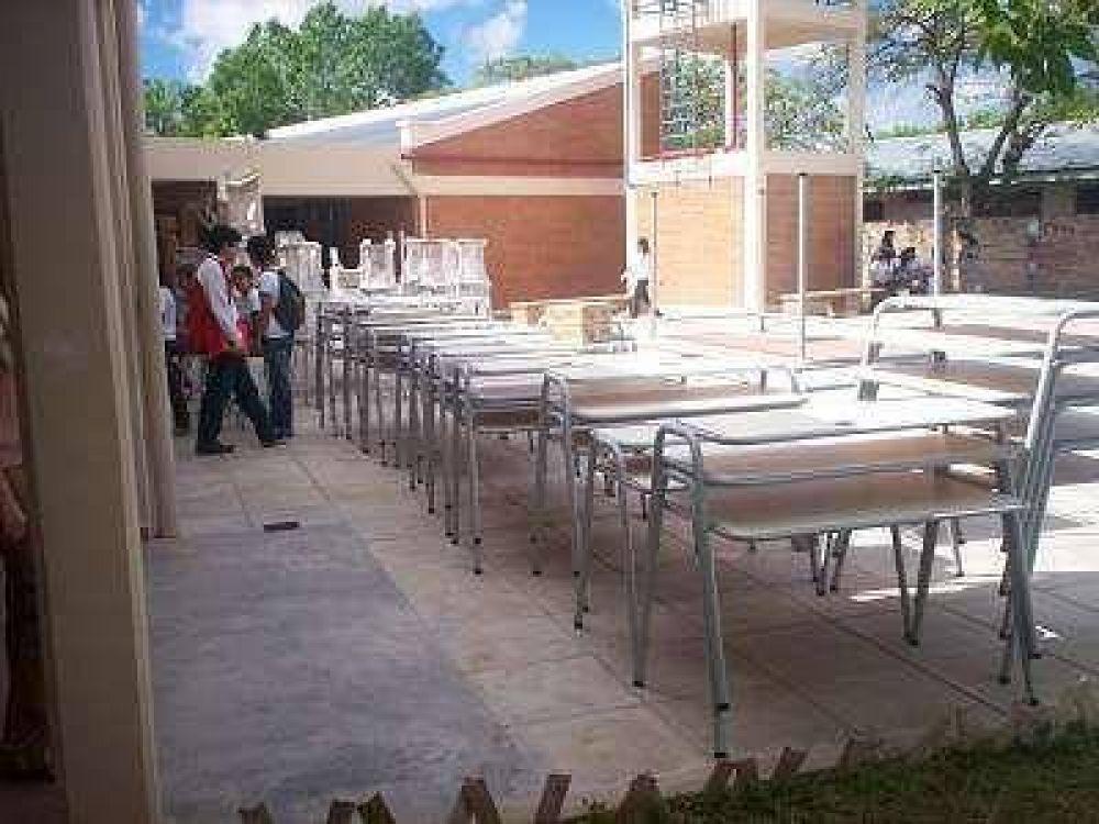 Varias escuelas continúan con serios problemas de infraestructura.