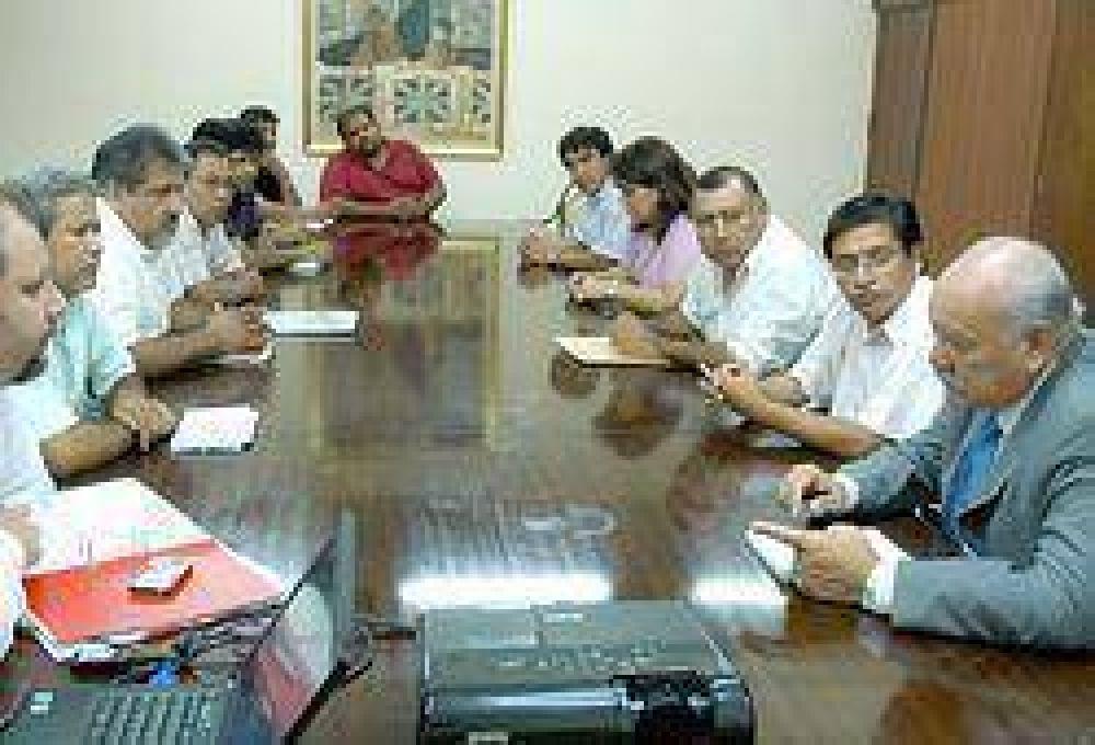 El Gobierno ofreció 1.570 pesos a los docentes y se reunirán el martes
