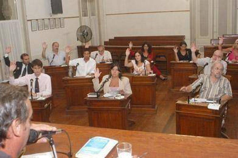El oficialismo aprobó la prórroga de la concesión del transporte.