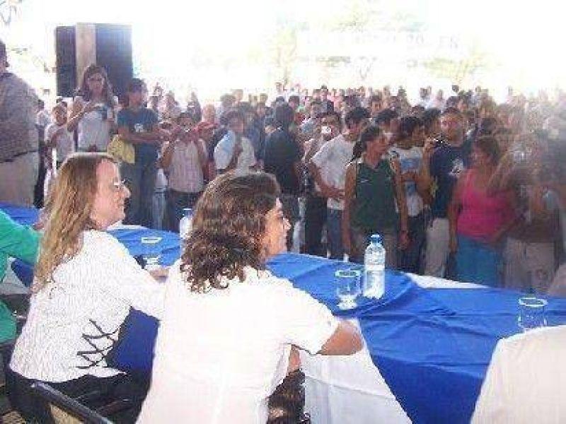 Lucía Corpacci y Alicia Kirchner visitaron entidades sociales