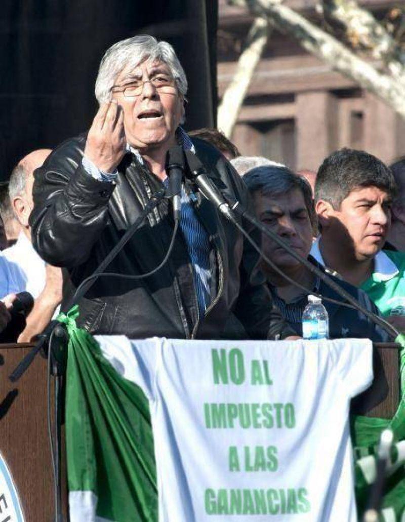 """PARO: Moyano llenó la Plaza de Mayo y acusó a Cristina de actuar con """"una soberbia abrumadora"""""""