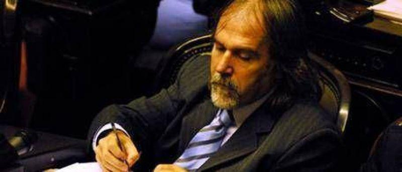 Claudio Morgado cobraba 15 mil pesos mensuales en Radio Nacional, pese a ser diputado