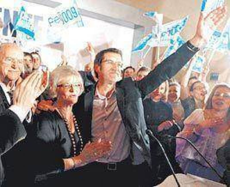 Los populares arrasan en Galicia y logran la mayor�a absoluta