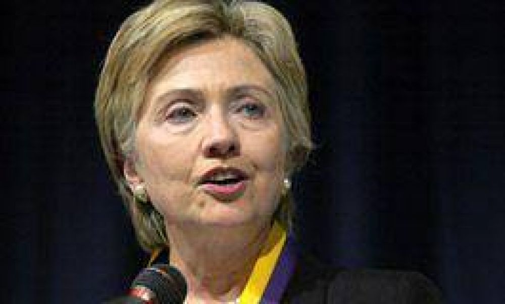 Hillary arribó a Medio Oriente para buscar la paz en la región