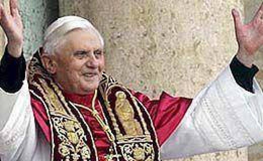 El Papa pidió que la prioridad sea ayudar a los trabajadores ante la crisis