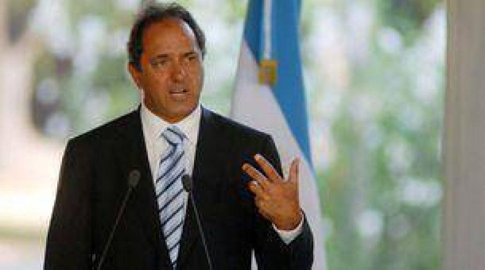 Daniel Scioli convocó a los gremios docentes a nuevas paritarias