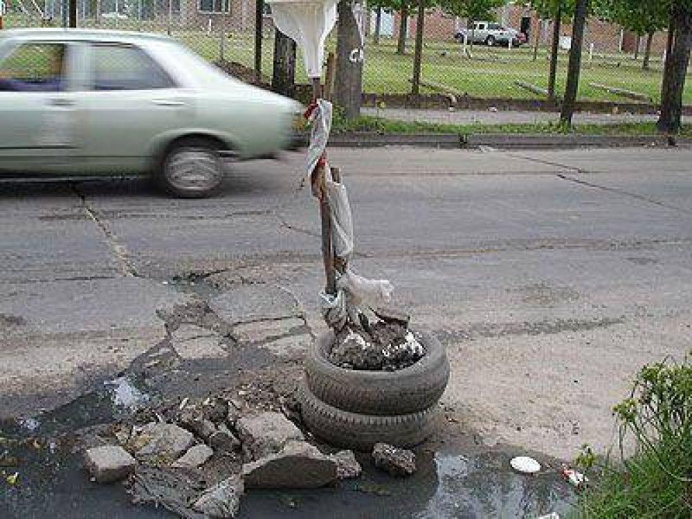 SOCIEDAD   FALTA DE CUIDADO    Reclaman el mantenimiento de estaciones, plazas y calles