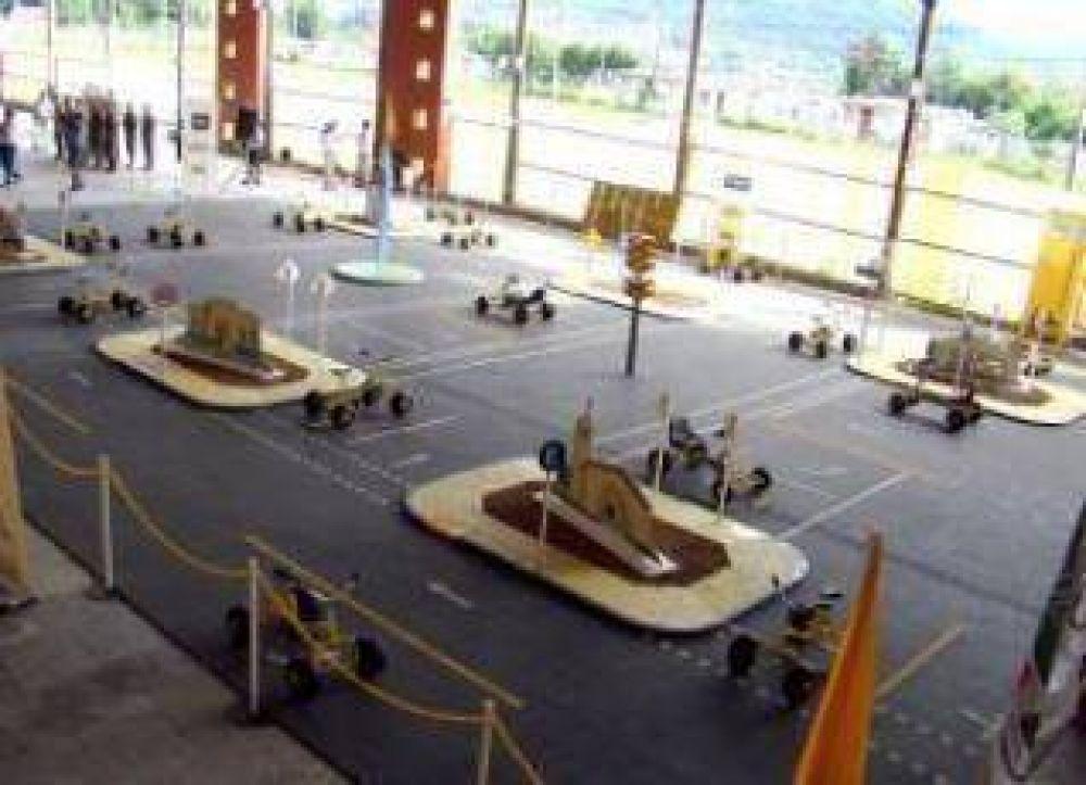 Se lanzó en esta ciudad el programa itinerante de Educación Vial a través del Automóvil Club Argentino.