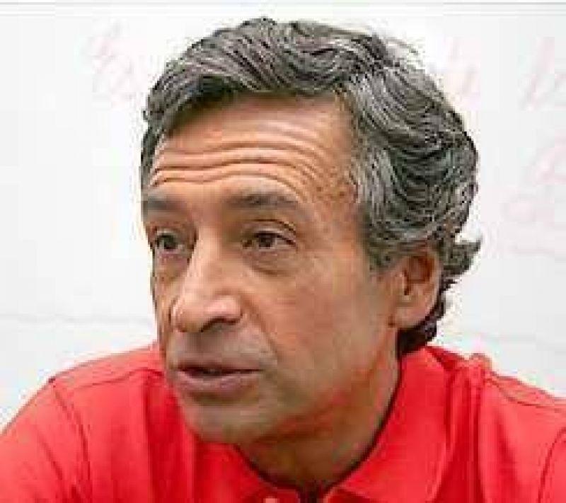 Basualdo dijo que Ibarra no debería ir como candidato