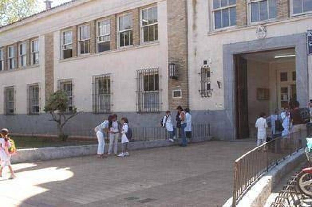 Hubo un 90% de adhesión al paro en escuelas públicas  Tamaño del texto
