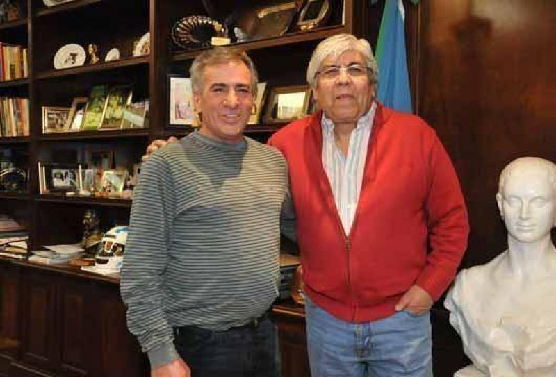 Cariglino recibi� Hugo Moyano
