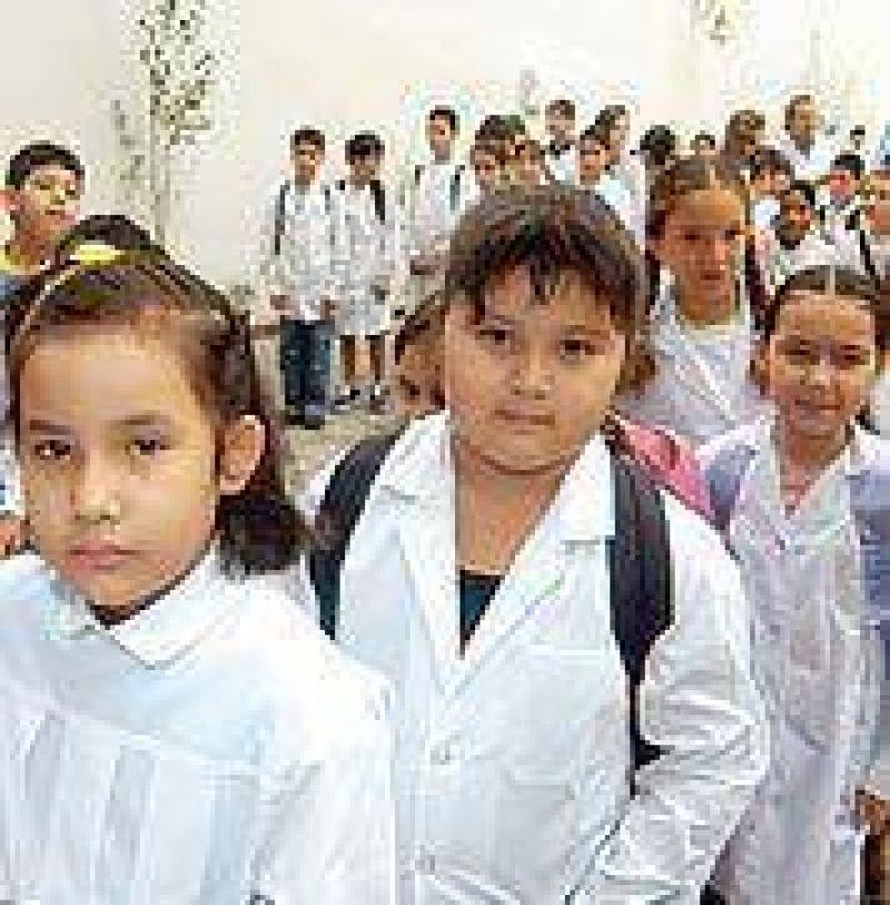 530 Becas municipales apoyan el comienzo de las clases