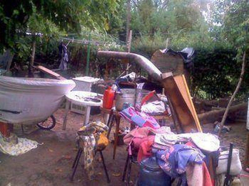 Ya hay 25 personas evacuadas por la crecida del arroyo Los Chorrillos