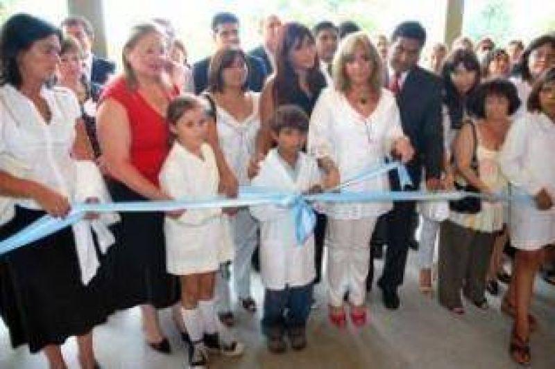 """Ministra Bernal: """"Es en las escuelas rurales donde se debe duplicar el esfuerzo""""."""