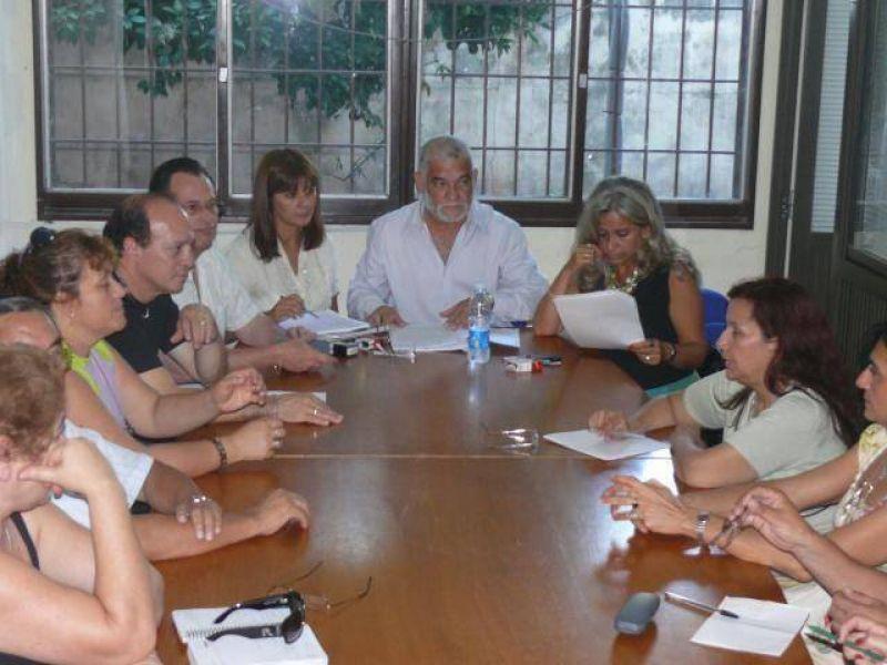 Docentes escracharon a Brizuela del Moral en Santa María.
