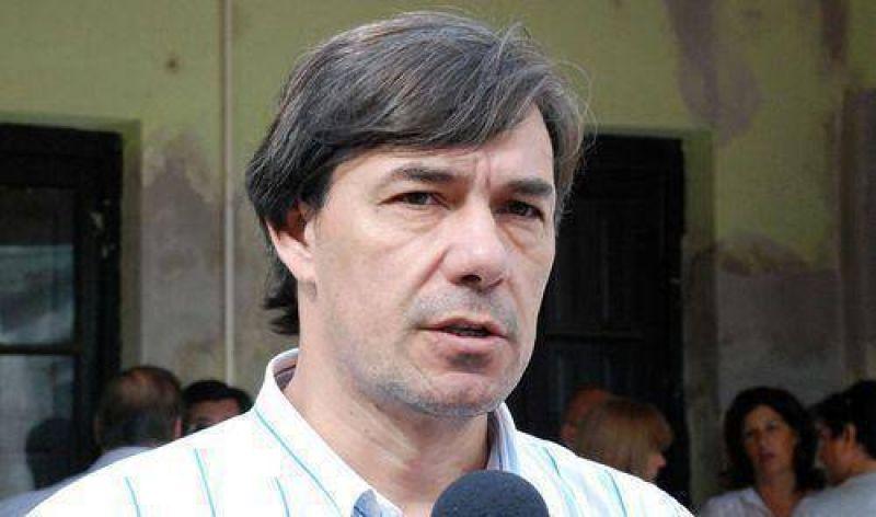 Vallejos pidió que Kadlec siga el ejemplo de Picón.