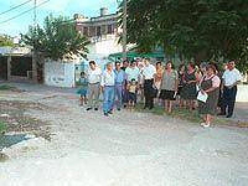 Asamblea vecinal en el barrio Mosconi.