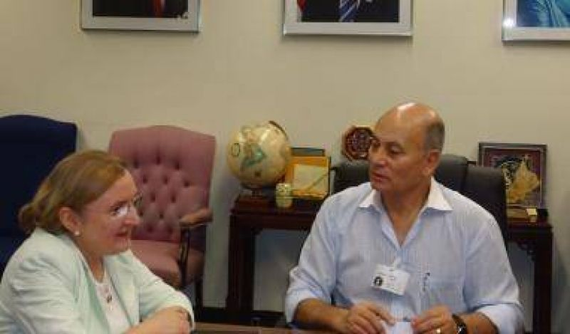 Encuentro entre Venegas y funcionarios del Departamento de Trabajo de los E.E.U.U