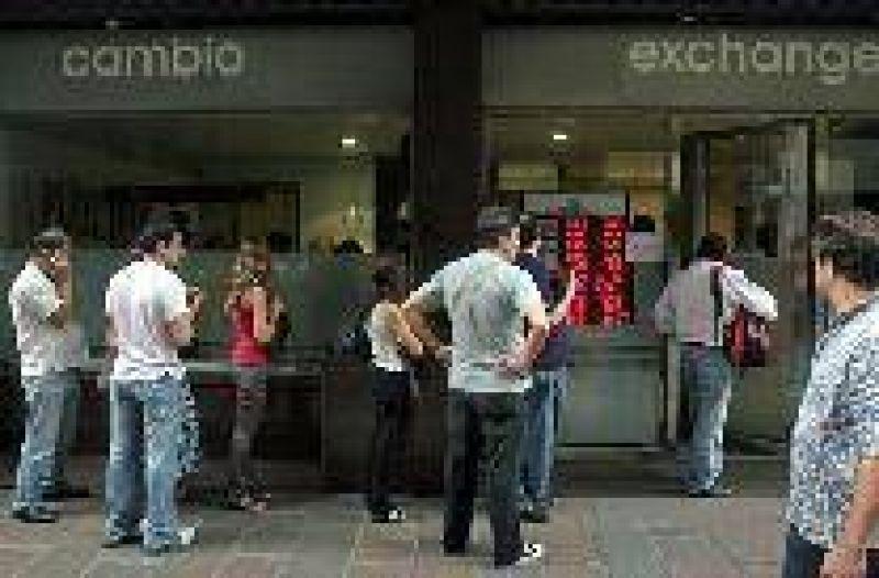 El dólar tocó los $ 3,70 en Córdoba