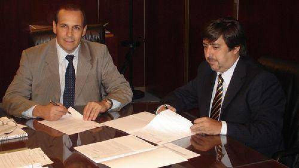Sameep firmó convenios para acueductos y redes de agua y cloaca.