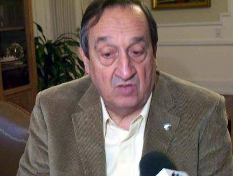 Lunghi solicitó audiencia con Oporto para abordar problemáticas educativas.