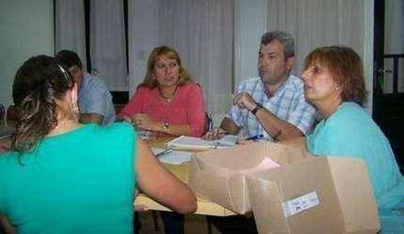 Remises: El secretario de Gobierno concurrió al ConcejoRemises: El secretario de Gobierno concurrió al Concejo.