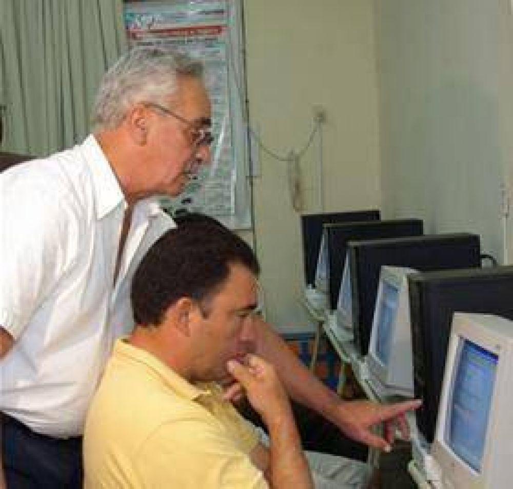 Digitalizan el examen para otorgar licencias de conducir.