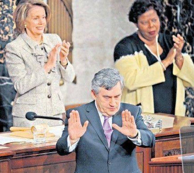Desde el Capitolio, Brown criticó el proteccionismo