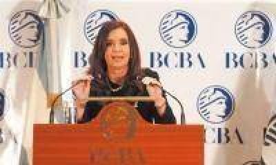 """Cristina: """"Nos hacemos cargo de la deuda financiera y la deuda social"""""""