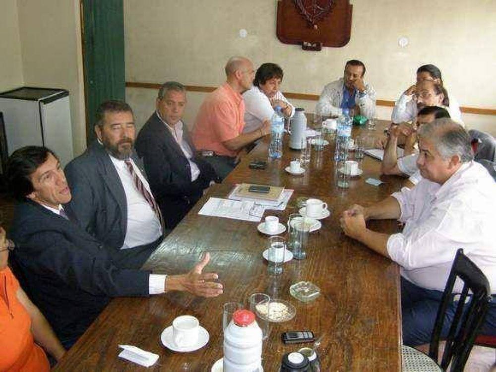 Secretarios municipales visitaron el Concejo Deliberante.