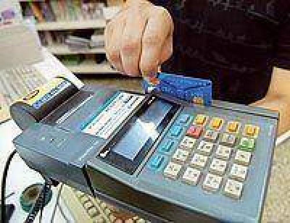 Alertan por fraudes con tarjetas