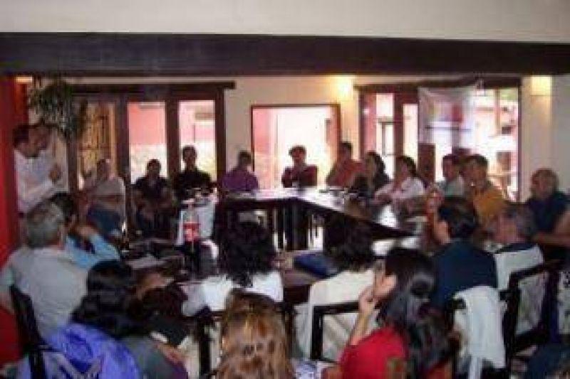 Reunión en Tilcara: Presentación de la Cámara de Turismo de Jujuy.