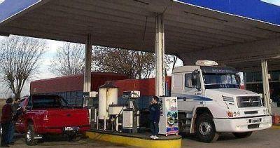 Rechazo generalizado al impuesto a los combustibles que impulsa De la Sota