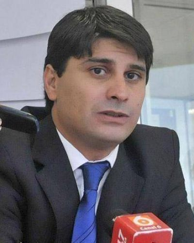 El gobierno suspende el di�logo con legislativos que ratificaron las medidas de fuerza