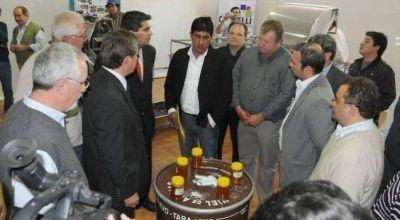 Inauguran la refacción de la planta de extracción de miel