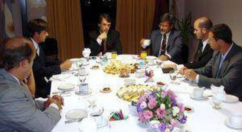 El ministro de Justicia se reunió con especialistas en proceso penal.