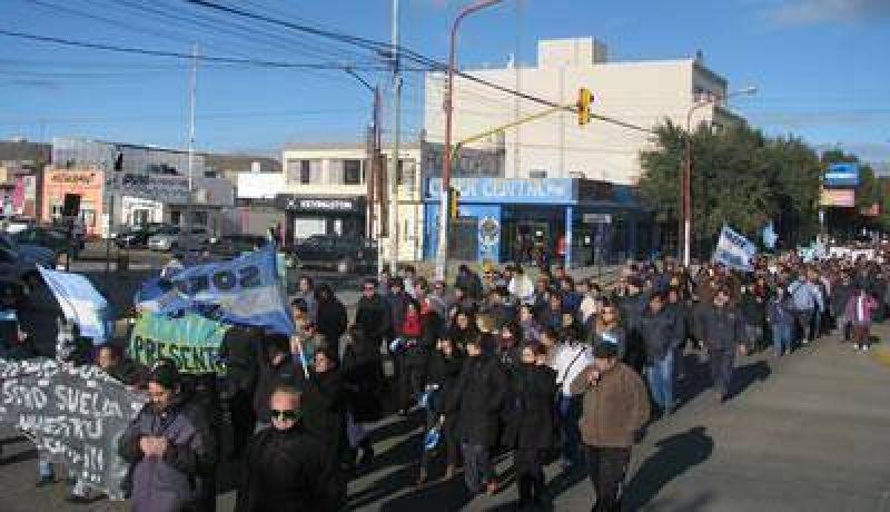 Los municipales de Caleta endurecen las medidas con un paro total de actividades
