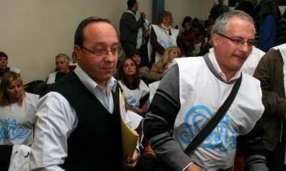 Terminó la reunión entre el SUTE y el Gobierno y se llevan la nueva propuesta a las escuelas