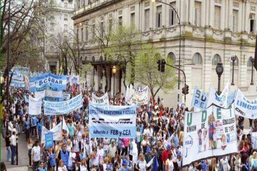 Posibles paros: Frente Gremial Docente en estado de alerta y movilización