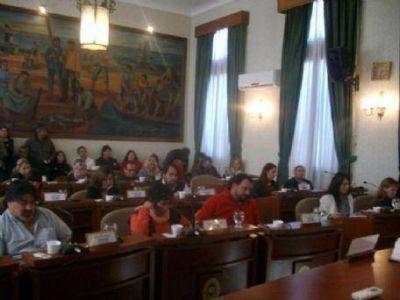 Concejo Deliberante: Entre la ciudadana ilustre y los huevos de ATE
