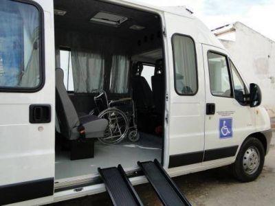 La municipalidad de FME adquirió una combi para el traslado de personas con discapacidad