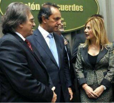 Provincia: Asumió De Lucia y anunció las primeras medidas de ajuste