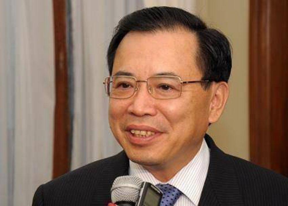 Fellner abre puertas  A los capitales chinos