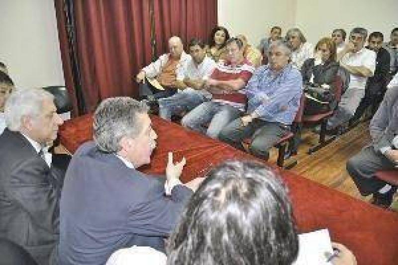 Se reunió la Mesa de Diálogo con los representantes de los gremios del sector privado