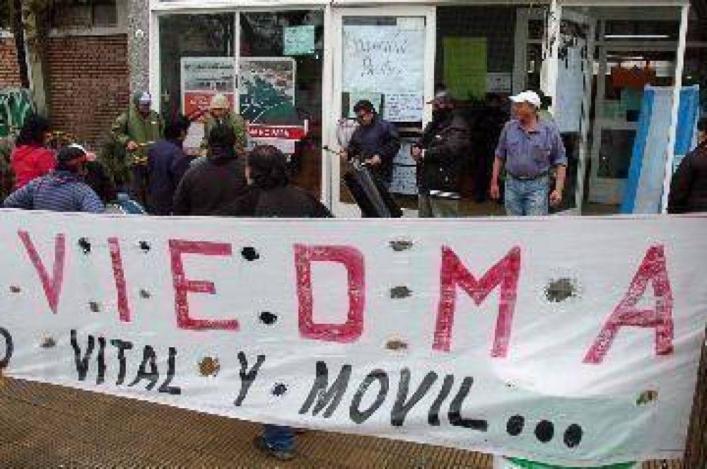 Viedma: trabajadores levantaron toma del municipio